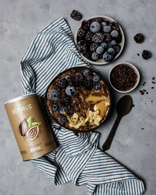 Schoko Erdnussbutter Protein Smoothie Bowl – mit Rezept